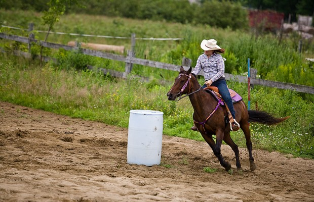 Benefit Barrel Race for Elaine Hagen & Jackie Naatjes